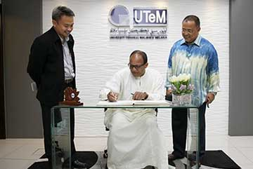 Prof. Abdulai has signing an agreement with, Universiti Teknikal Malaysia (UTEM)